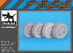 T35195 1\35 Fennek wheels accessories set