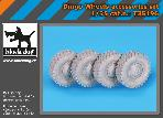 T35196 1\35 Dingo wheels accessories set